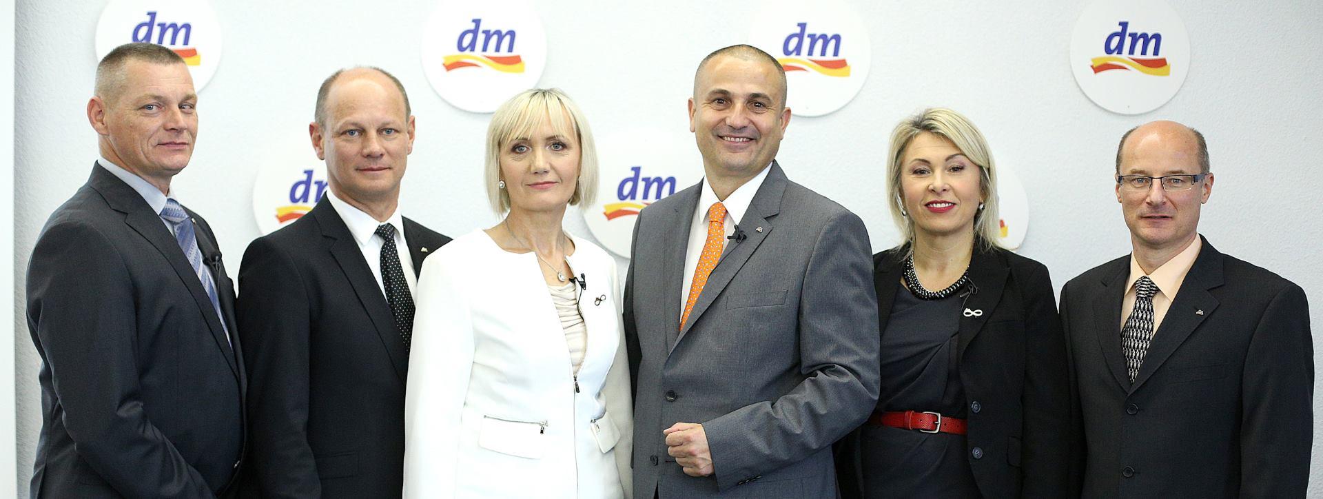 FOTO: dm predstavio odlične poslovne rezultate