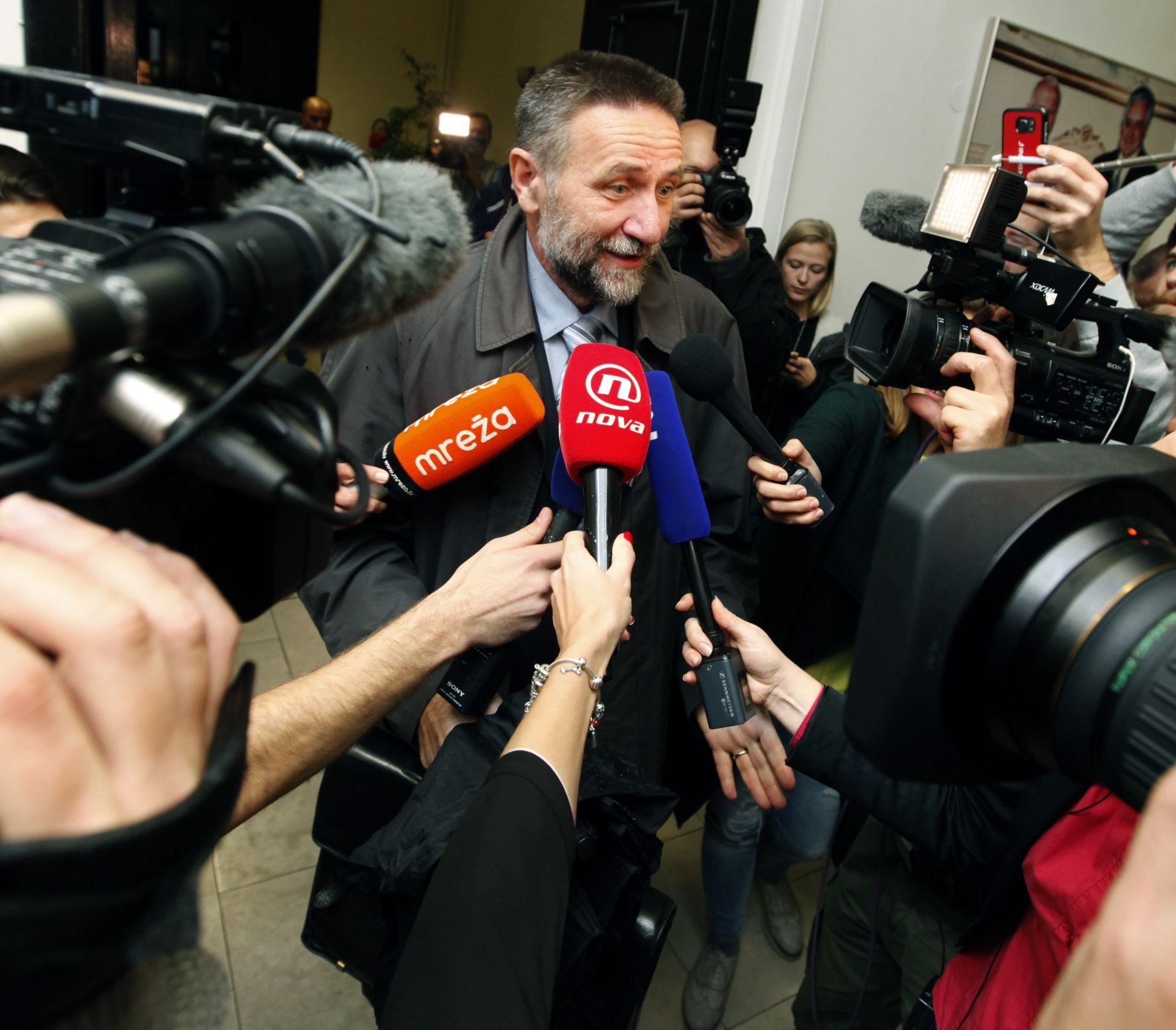 PRIMOPREDAJA Barišić preuzeo dužnost od Šustara i pozvao na načelo uključivosti