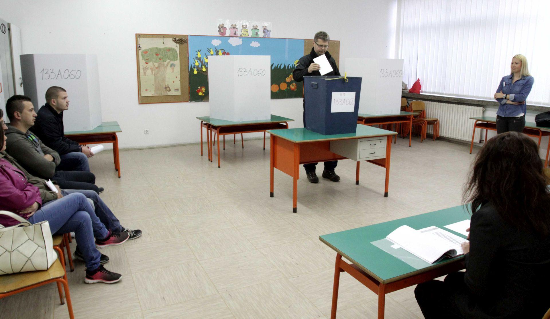 Mostarci 'glasuju' u znak prosvjeda što nema izbora