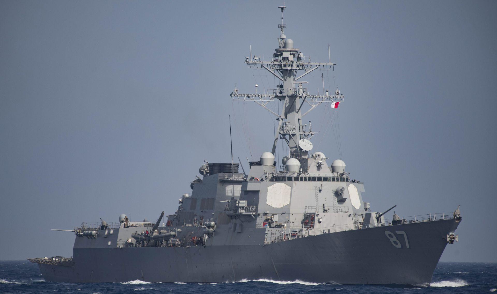 Američki razarač prošao pored spornih otoka u Južnom kineskom moru
