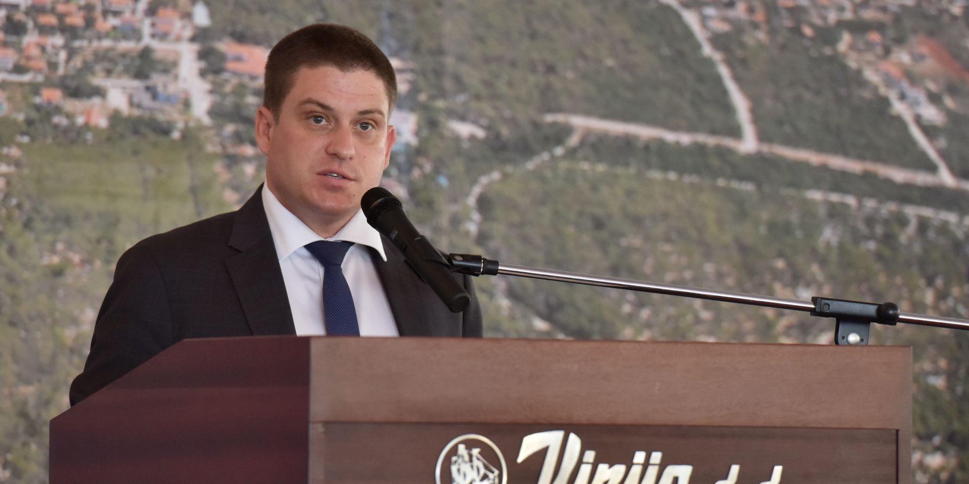 BUTKOVIĆ: Pelješki most ide u 2017.; odluka o restrukturiranju cestarskog sektora koncem studenoga