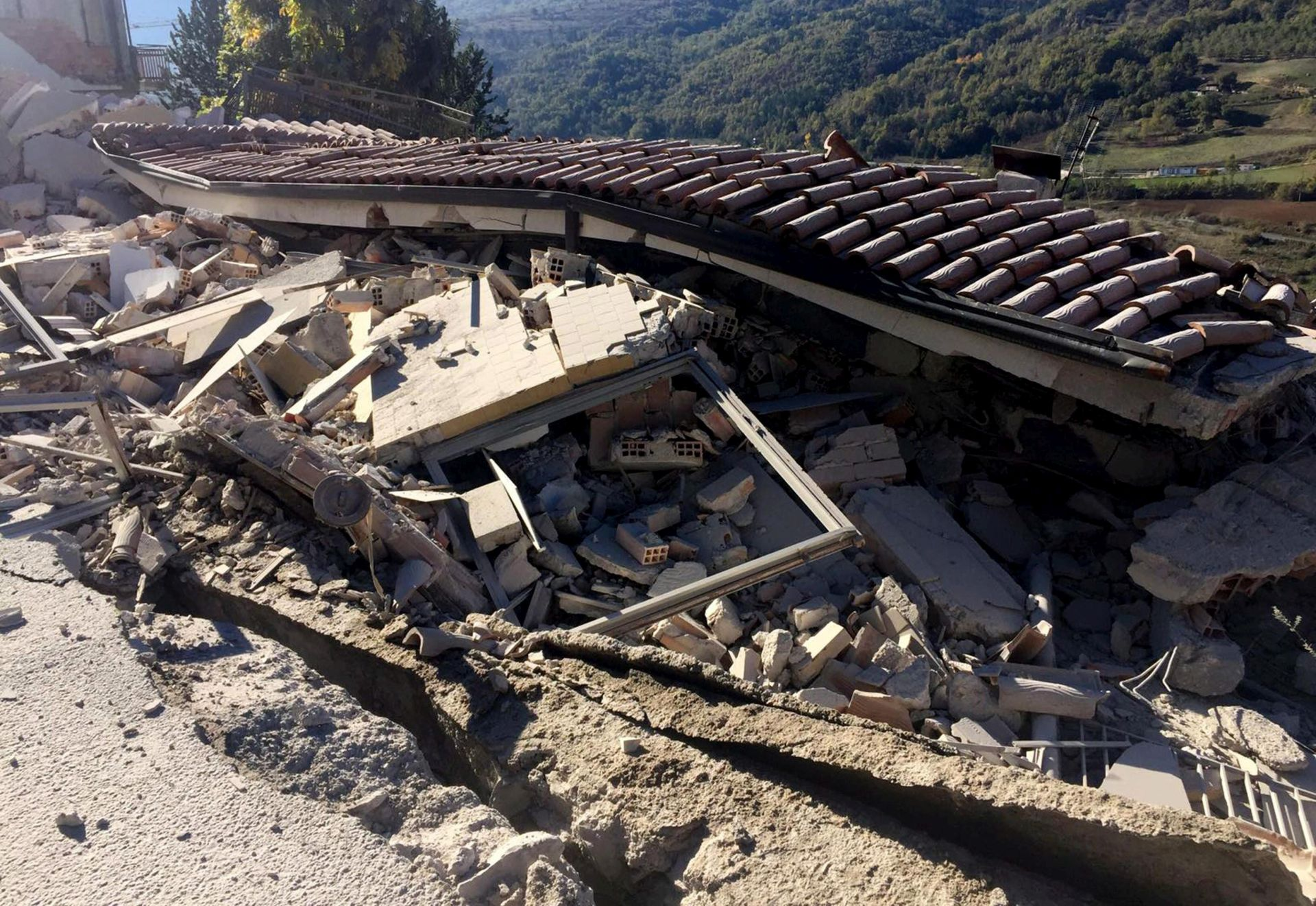 POTRESI U ITALIJI: Srušena stara bazilika, ozlijeđeno desetak ljudi