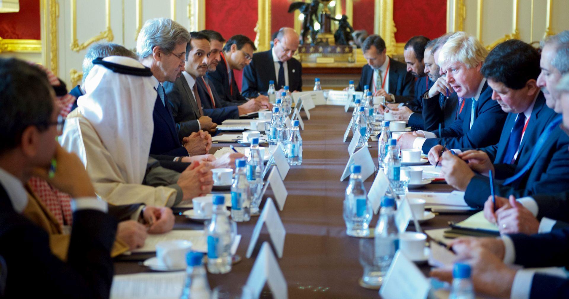 OPSADA ALEPA: SAD i Velika Britanija razmatraju nove sankcije protiv Sirije i Rusije