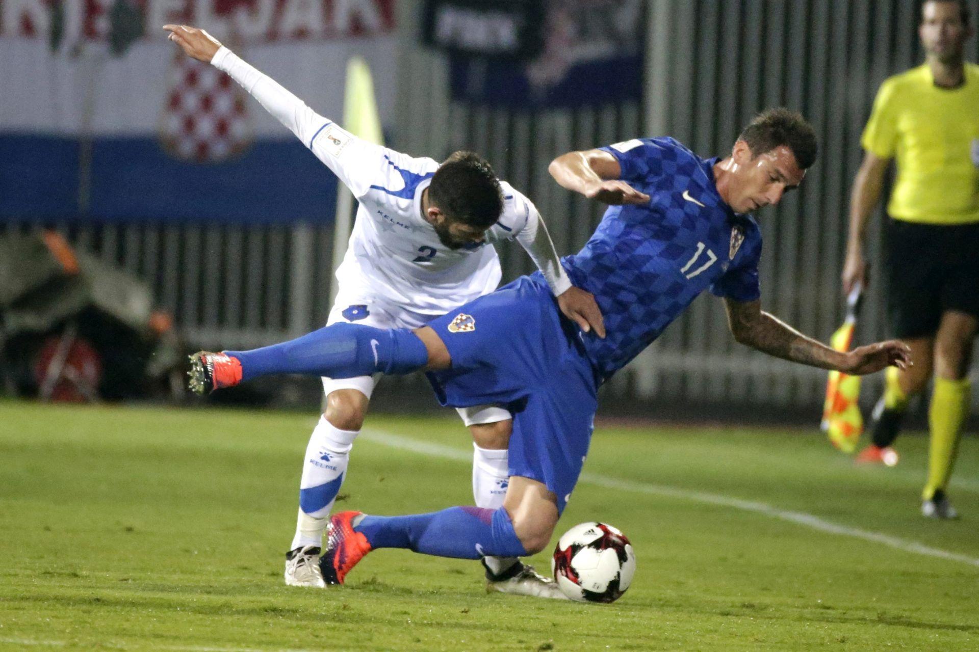 HRVATSKA- KOSOVO 6:0: Hat-trick Mandžukića, navijači sramotni