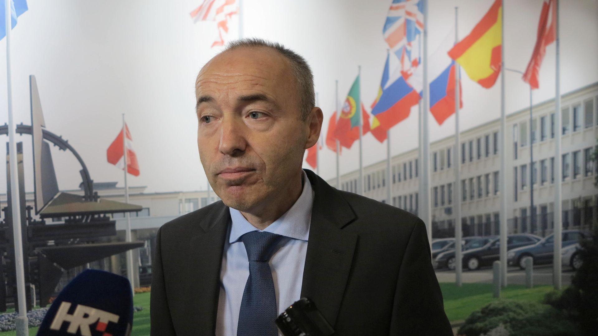 Ministar Krstičević putuje u SAD, razgovarat će i o mogućnosti nabavke vojnih zrakoklova za OS RH