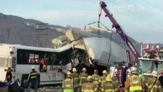 VIDEO: SAD Sudar turističkog autobusa i kamiona – najmanje 13 poginulih