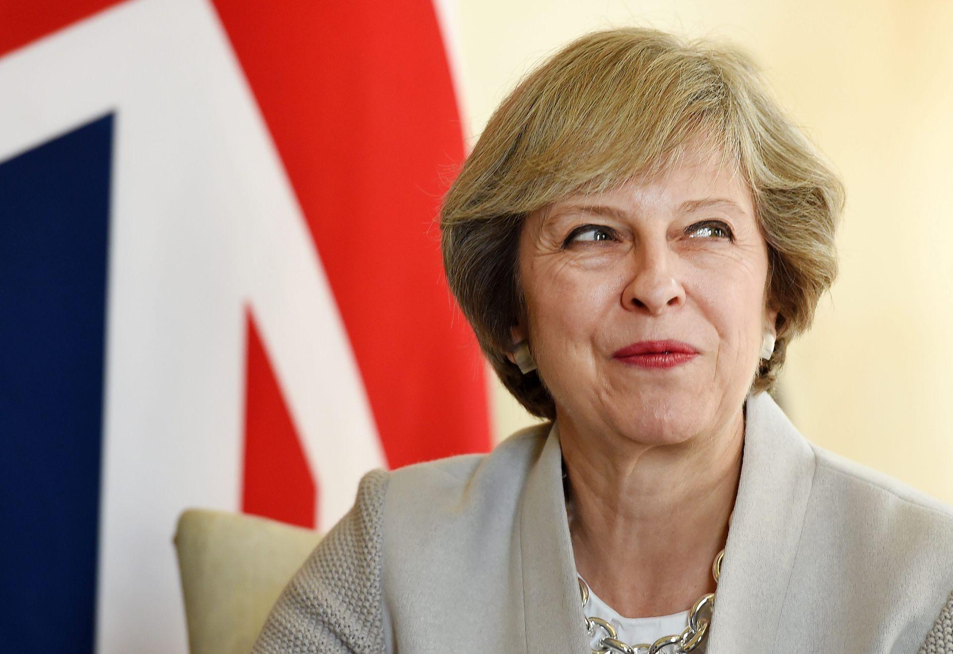 THERESA MAY: Britanija će pokrenuti izlazak iz EU-a do kraja ožujka 2017.