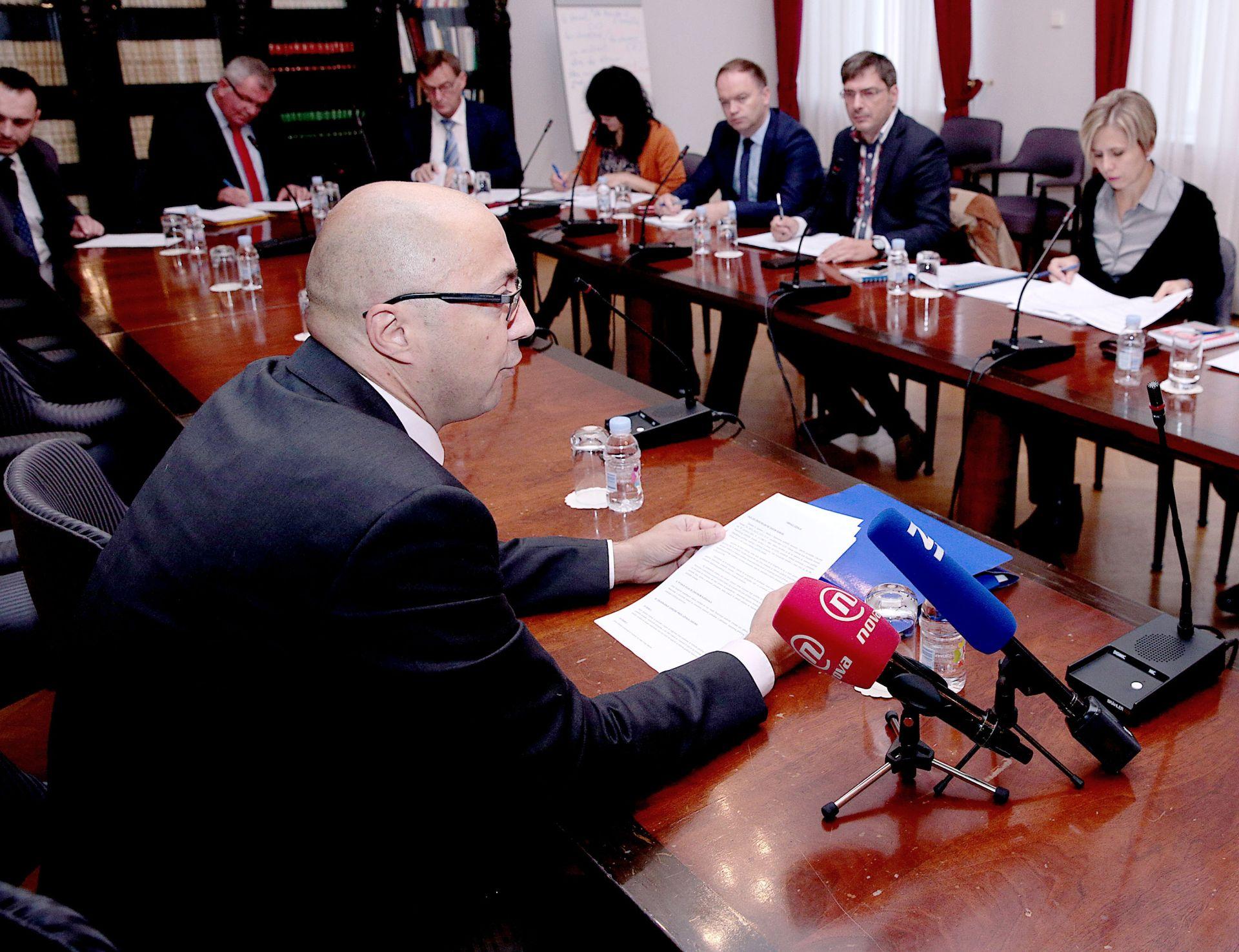 Odgođena sjednica Odbora za zakonodavstvo, propala i sjednica Odbora za Ustav