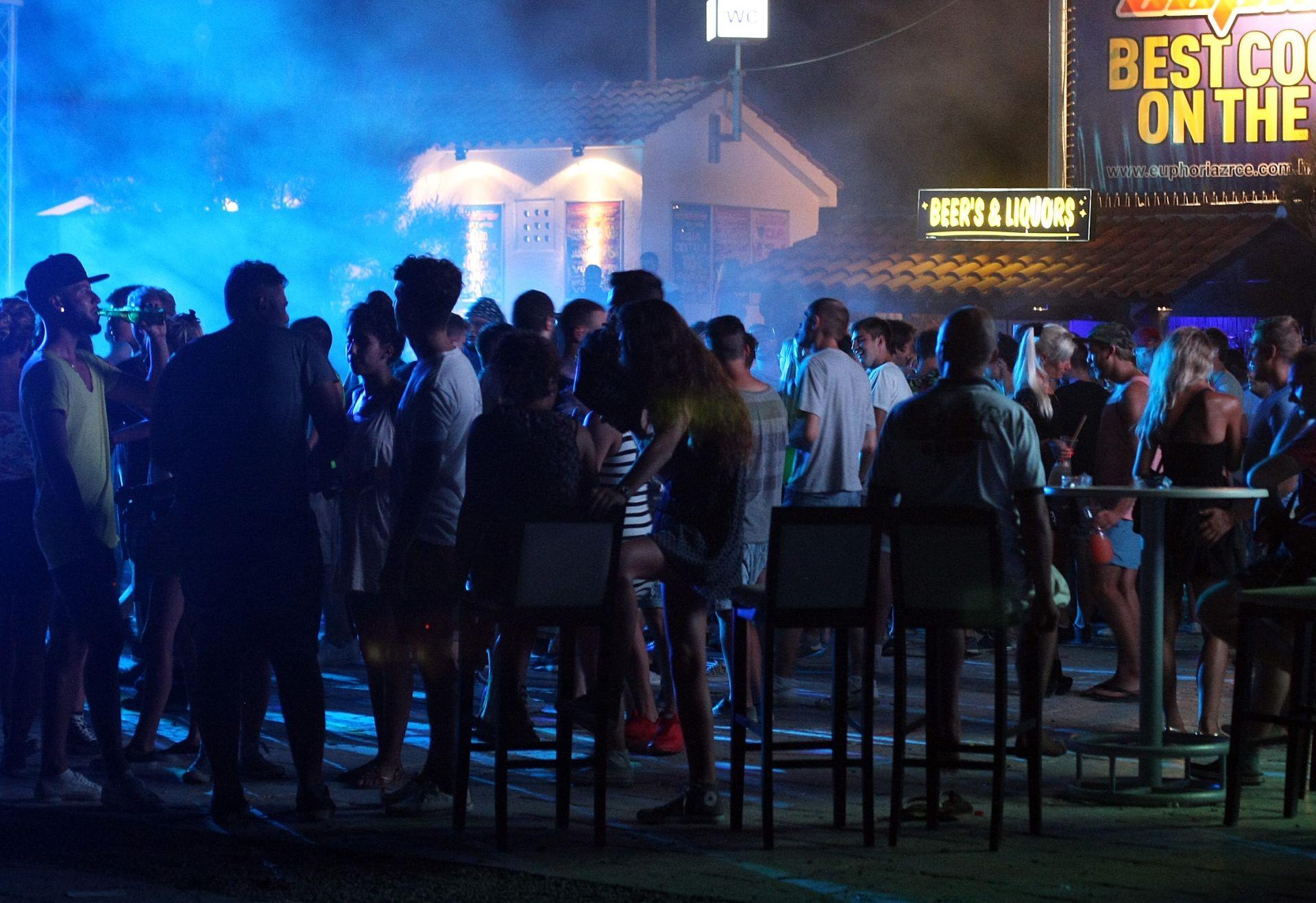POLICIJA UPOZORAVA: Maloljetnici ne smiju u noćne izlaske bez pratnje odraslih