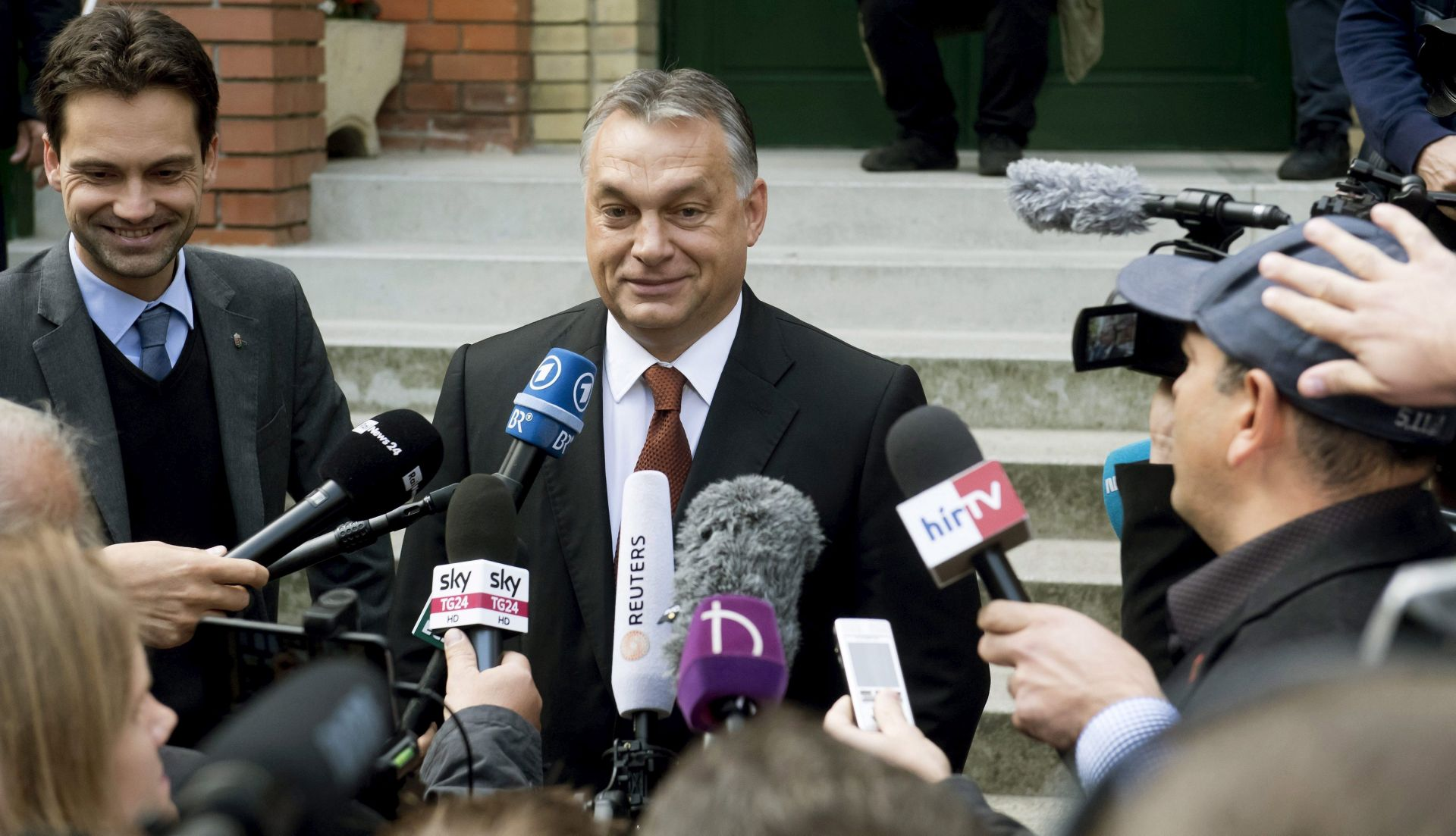 NAJAVLJUJE USTAVNE PROMJENE: Orban neuspjeh referenduma smatra nevažnim