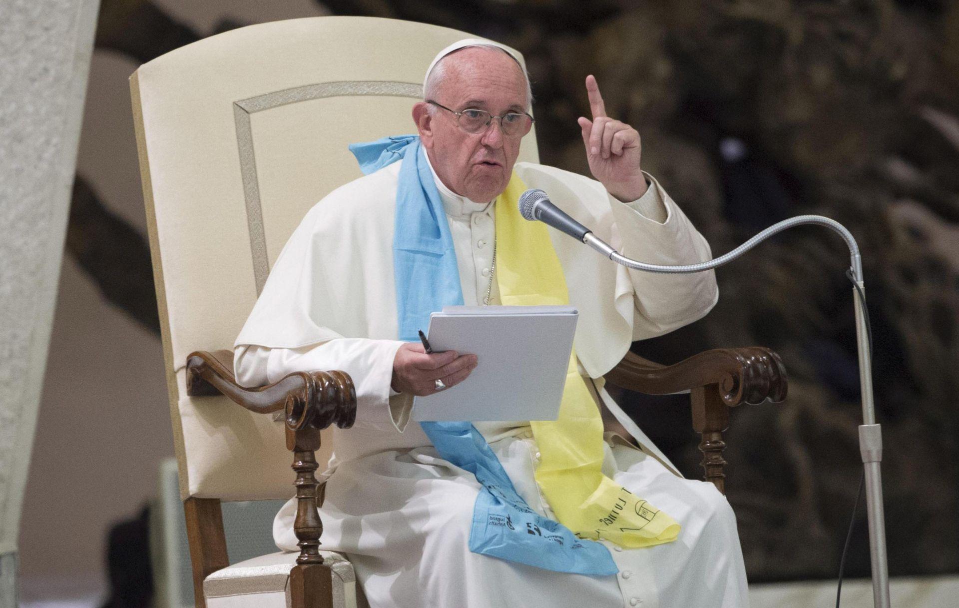 OTVORIO VRATA TURISTIMA: Papa potpuno odustaje od boravka u Castel Gandolfu