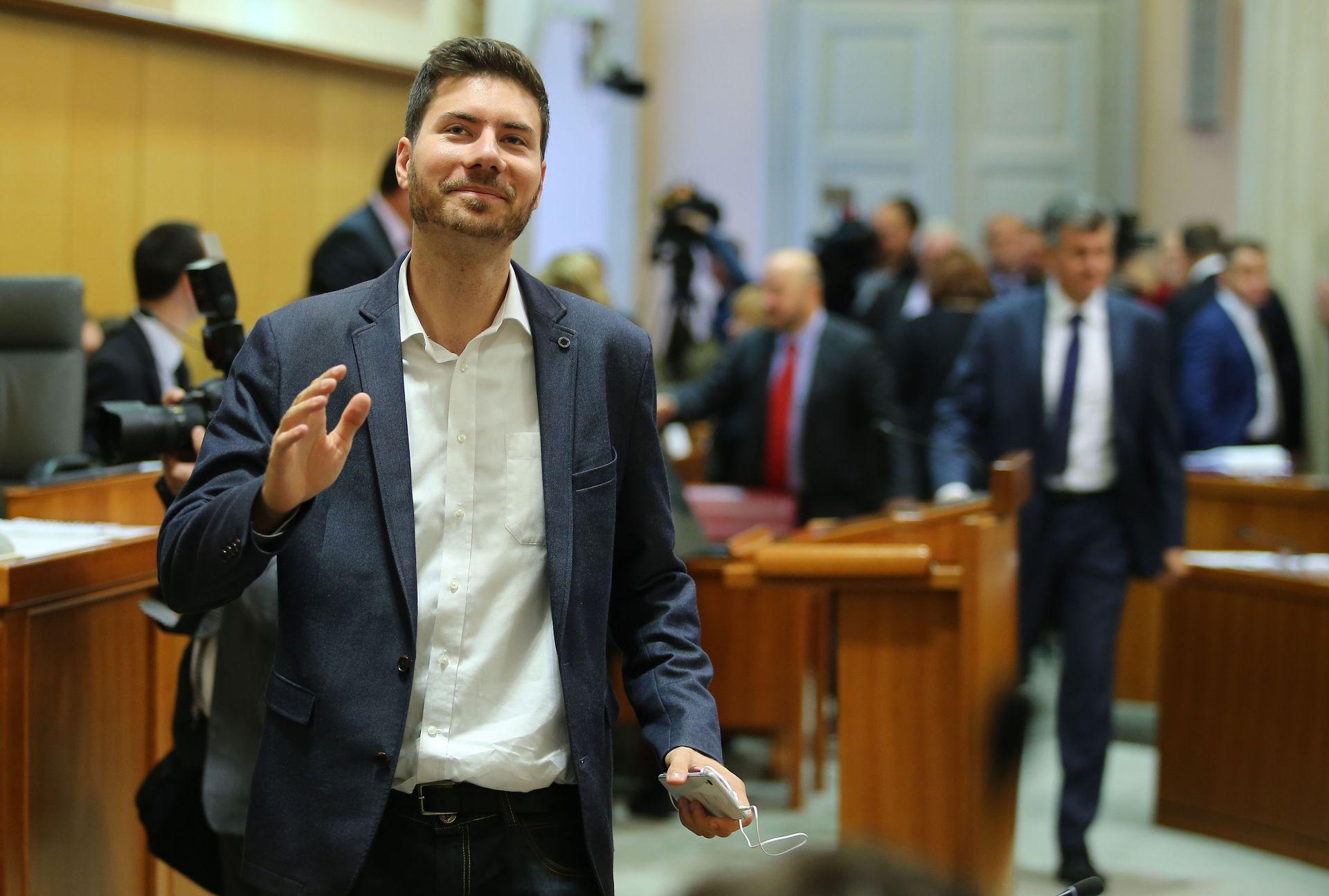 Pernar otkrio da se ispisao iz Katoličke crkve