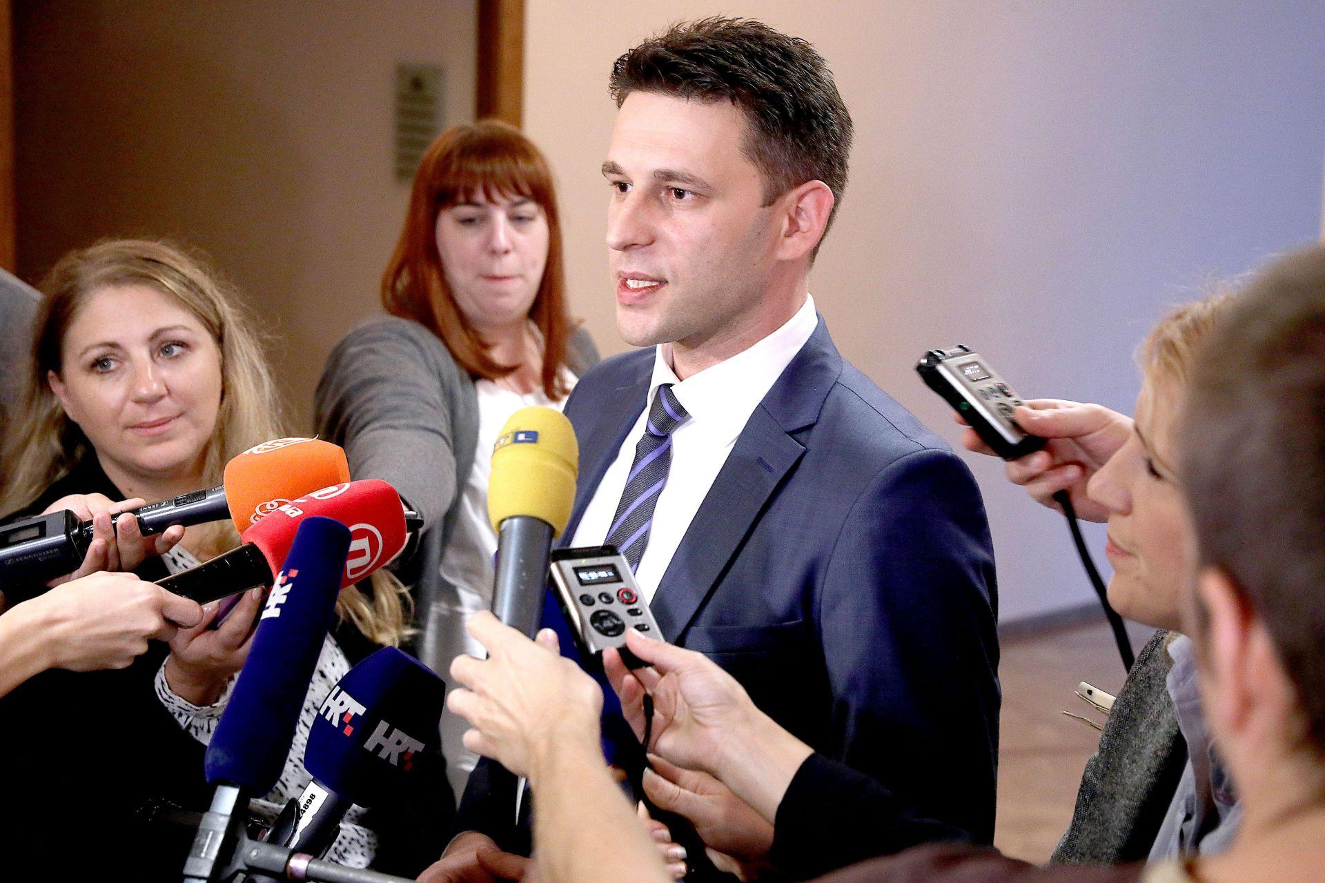 POSKUPLJENJE STRUJE Petrov: 'Pokušat ćemo pronaći način da to građani ne osjete'