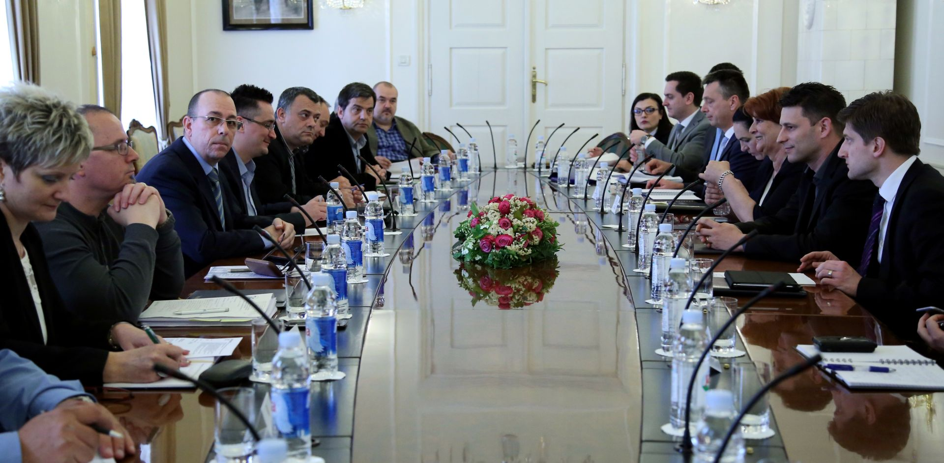 SINDIKAT: 'Marić obećao automatski rast osnovice, a sada nudi razgovore o sporazumu'