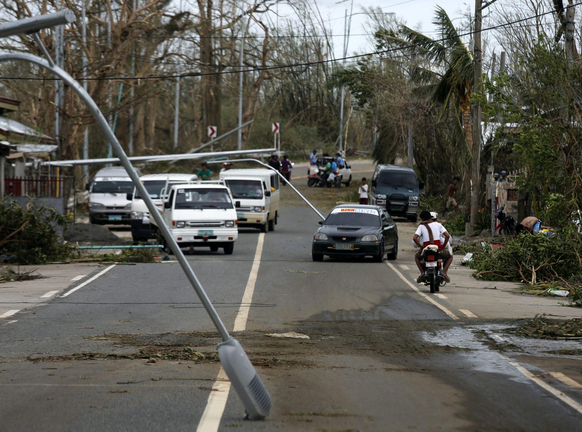 Filipini: 19 mrtvih u udesu autobusa