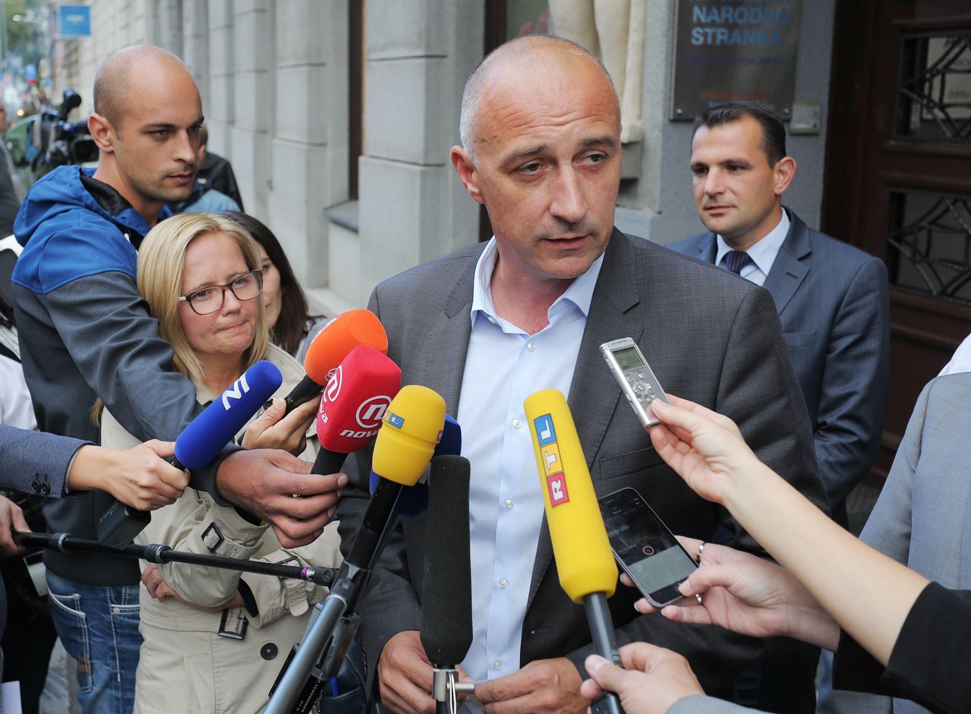 HNS napustila trećina sisačkog članstva; nezadovoljni i udaljavanjem od SDP-a