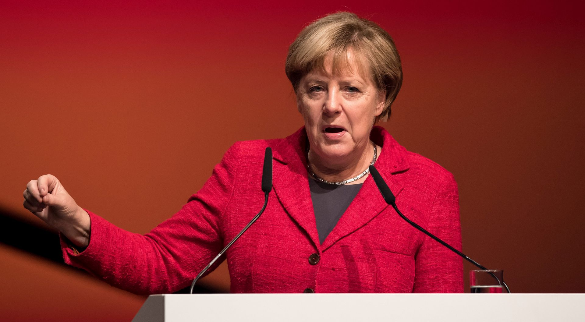 Merkel kaže da Švicarska i Britanija trebaju imati odvojene ugovore o vezama s EU-om