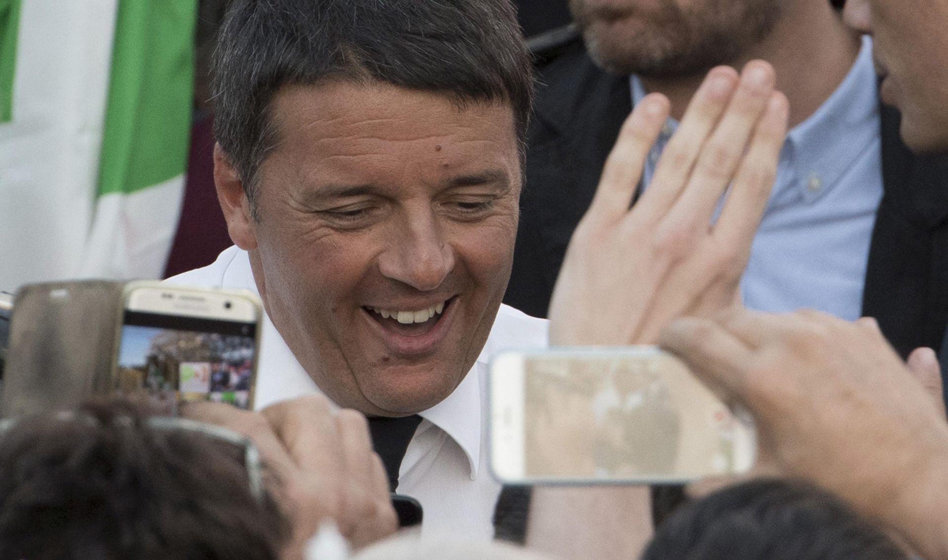 Renzi se oko ponoći obraća naciji, na referendumu velika izlaznost