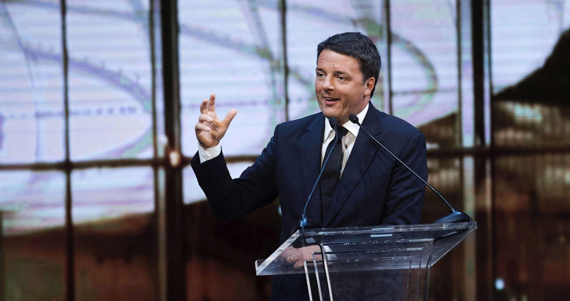 Renzi tvrdi da se disidenti u njegovoj stranci protive ustavnoj reformi kako bi ga zbacili