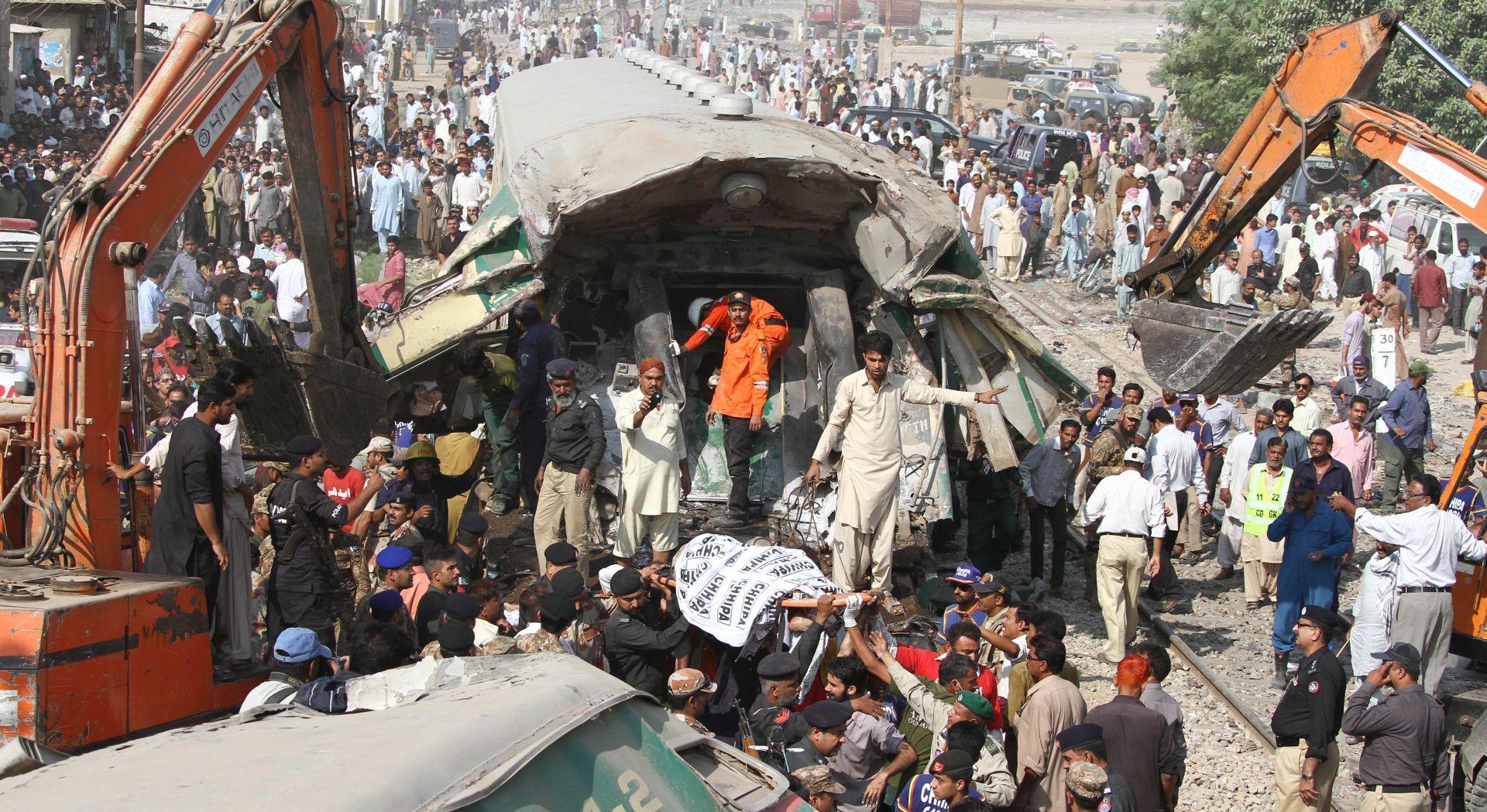 PAKISTAN U eksploziji u muslimanskom hramu poginulo najmanje 30 osoba
