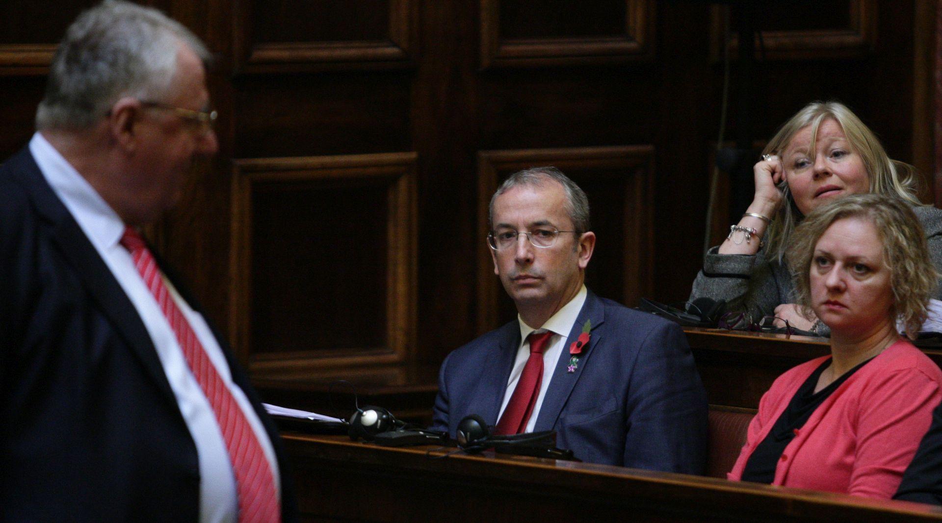 Srbijanski parlament: Davenport nije uspio predstaviti izvješće EK-a