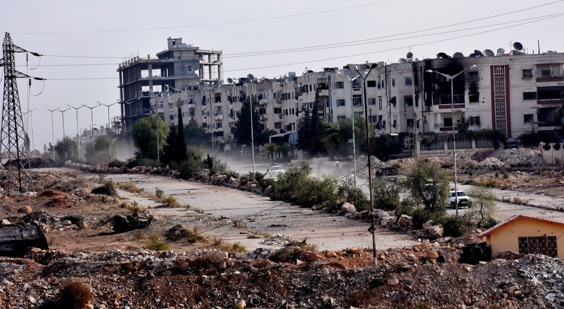 Civili u Alepu bježe u zapadne dijelove grada koje kontroliraju vladine snage
