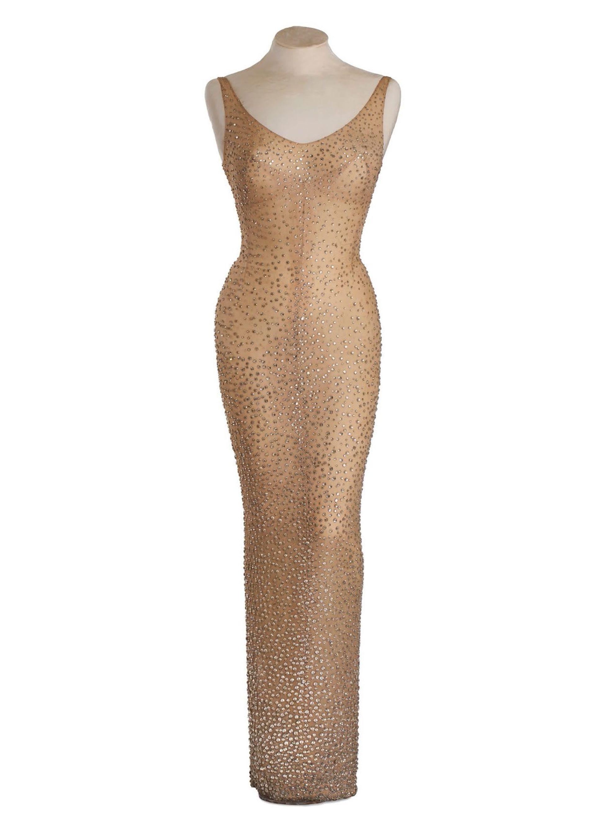 VIDEO: Slavna haljina Marilyn Monroe prodana na aukciji za 4.8 milijuna dolara