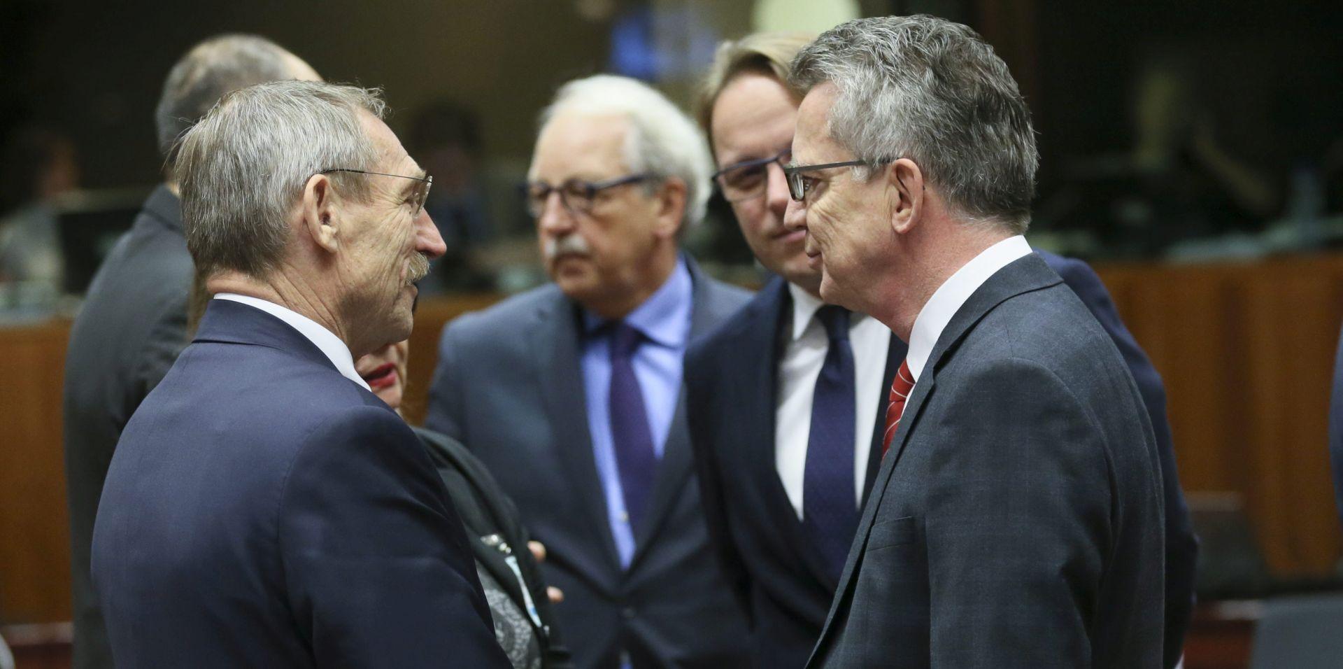 Ministri unutarnjih poslova EU-a bez dogovora o imigraciji