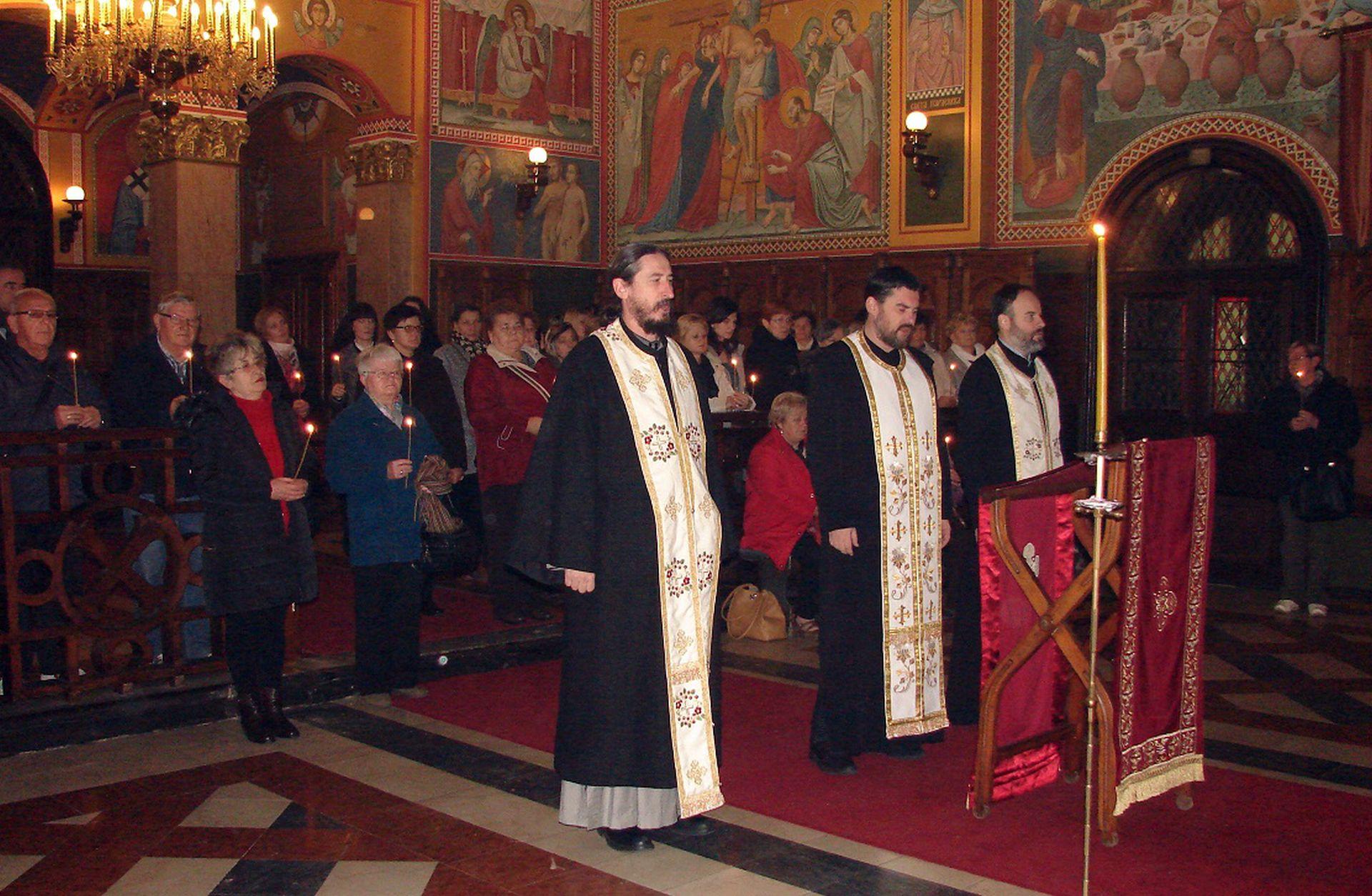 Srpska zajednica odala počast stradalima u Vukovaru