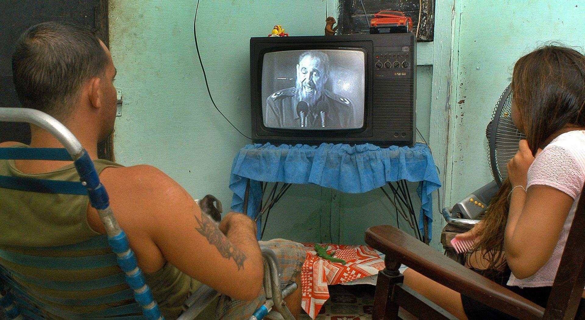 CASTROVA SMRT Tuga u Havani, slavlje u Miamiju