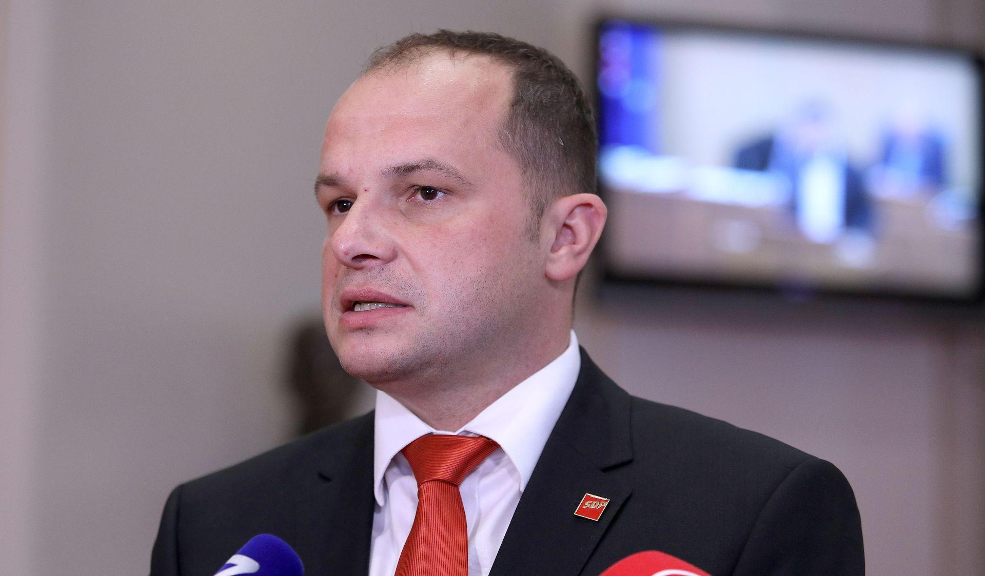 """HAJDAŠ DONČIĆ """"Plenković nije dobro počeo mandat, podsjeća me na Sanadera"""""""