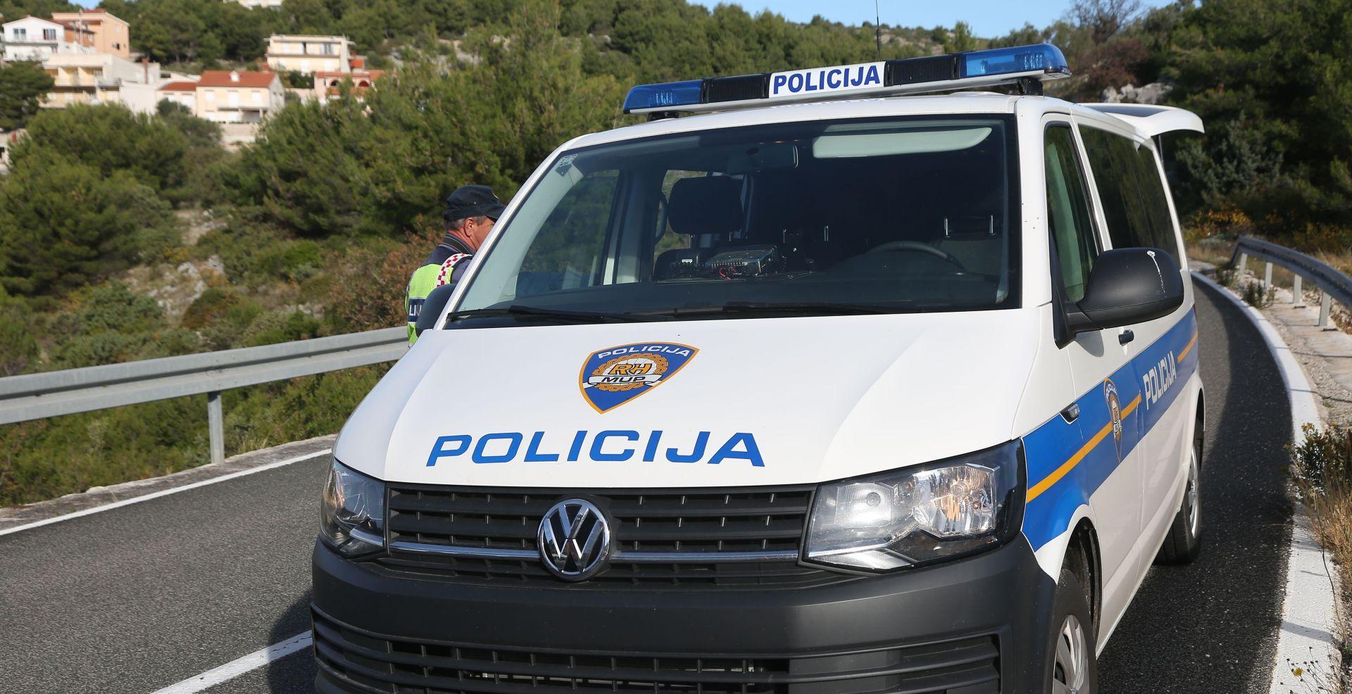 Teška prometna nesreća kod Osijeka, vozač preminuo u bolnici