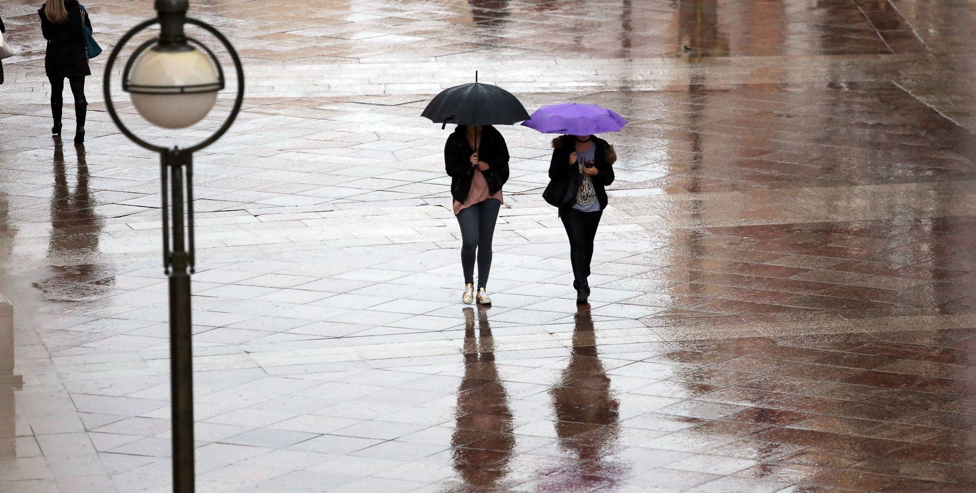 STIGLA JAKA PROMJENA VREMENA Obilna kiša s grmljavinom diljem zemlje