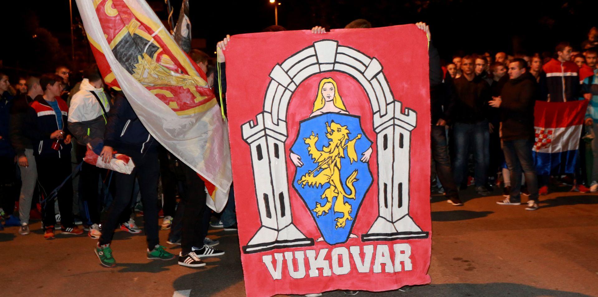 FOTO: VUKOVAR Splitski mimohod za žrtve grada heroja