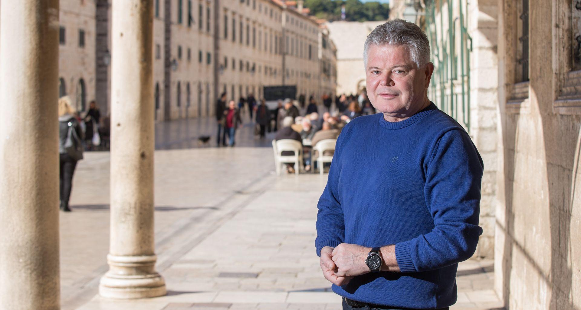 Vlahušić, nakon zabrane postavljanja ugostiteljskih kućica na Stradunu, otkazao Zimski festival