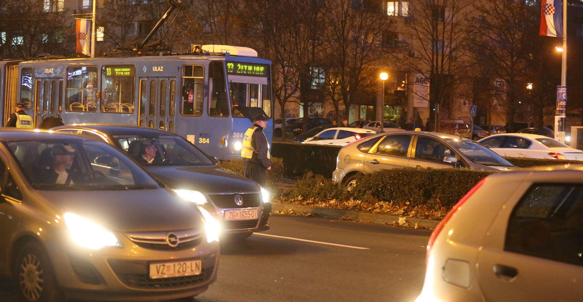 VOZAČ PREMINUO NA PUTU DO BOLNICE Velike gužve u prometu zbog nesreće u Vukovarskoj