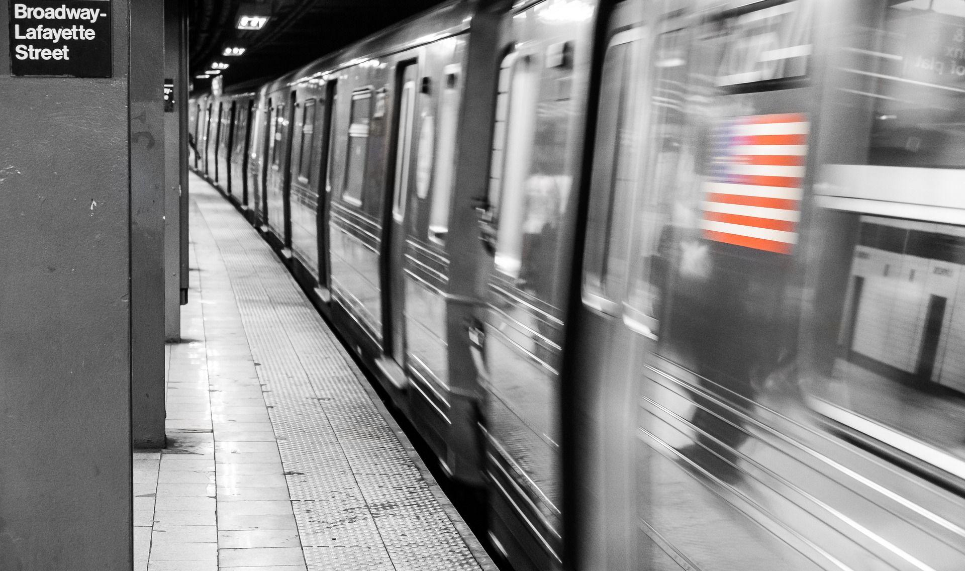 Žena ženu gurnula pod newyorški podzemni vlak, preminula na mjestu