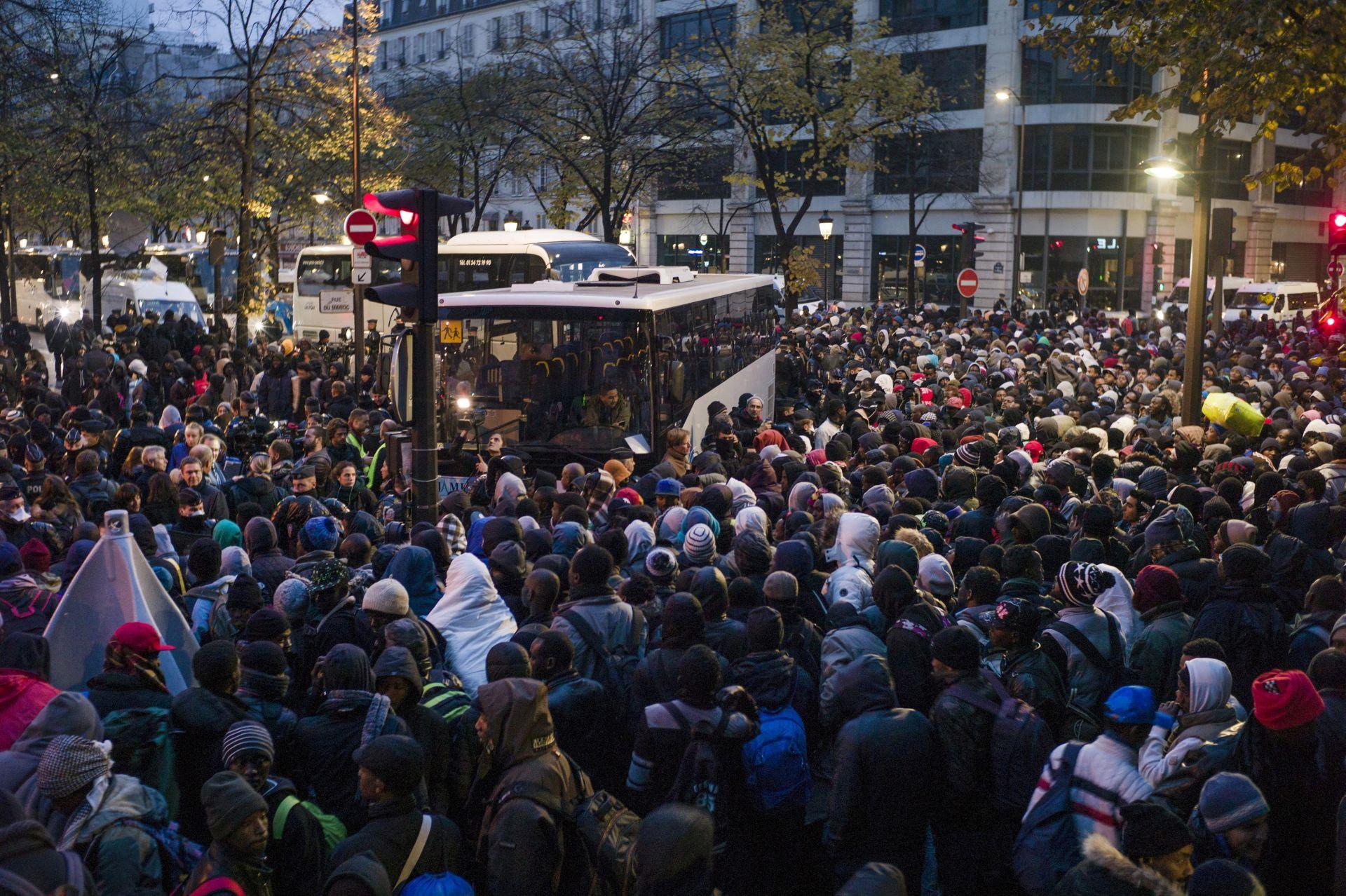 NAKON ZATVARANJA CALAISA: Policija počela evakuirati migrante iz Pariza