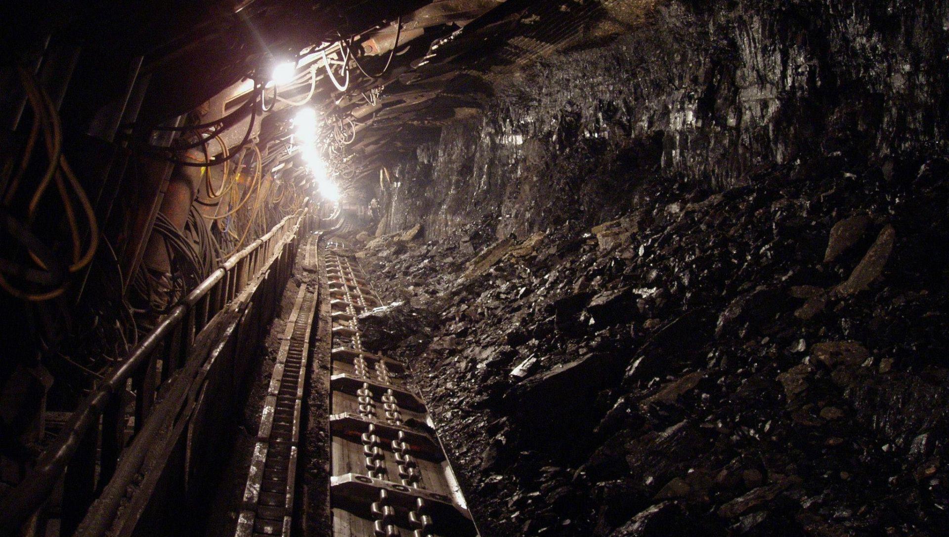KINA Eksplozija plina u rudniku ugljena, 13 mrtvih, 20 nestalih