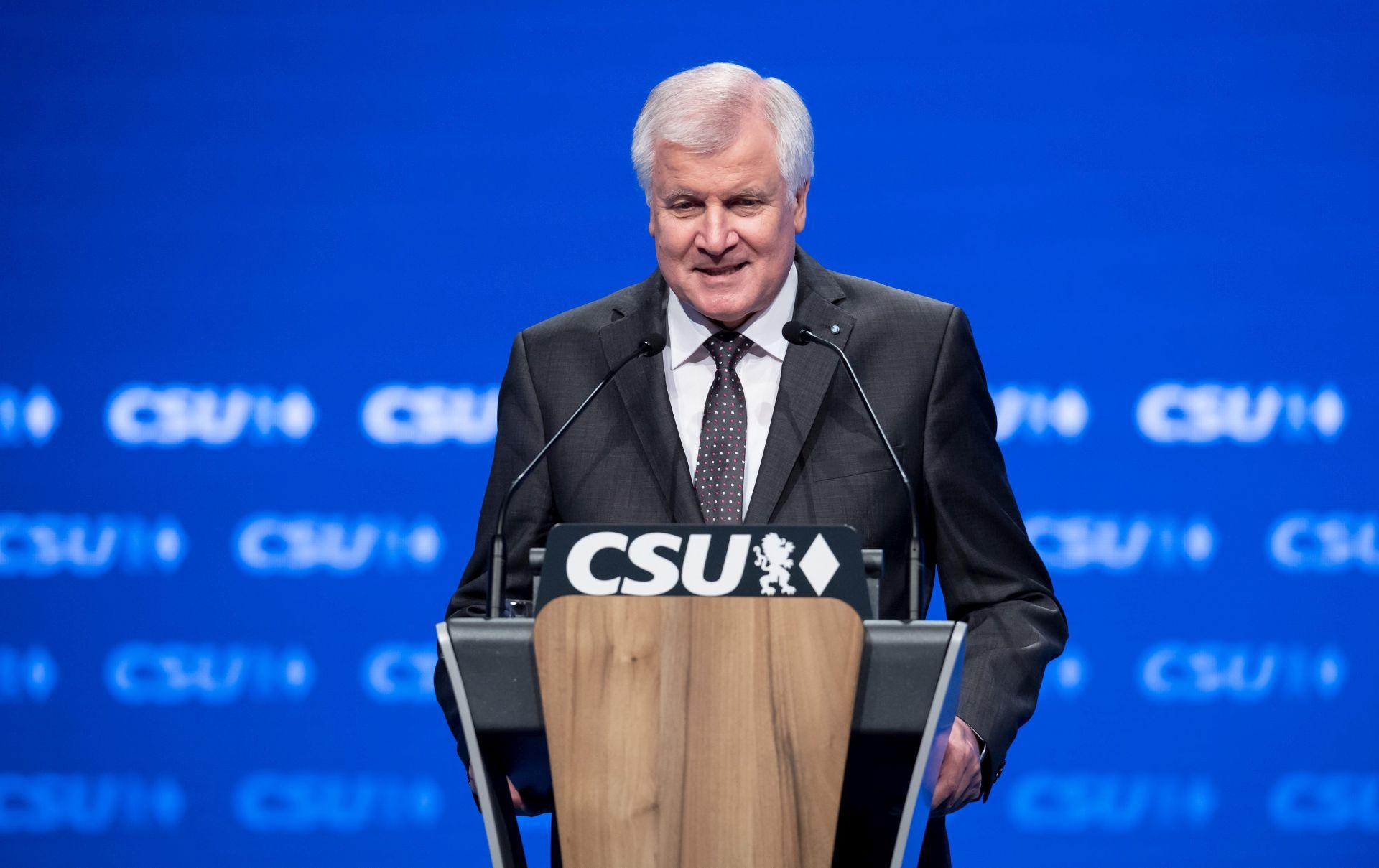 CSU: Nije prošao prijedlog uskraćivanja potpore Merkel za novu kandidaturu