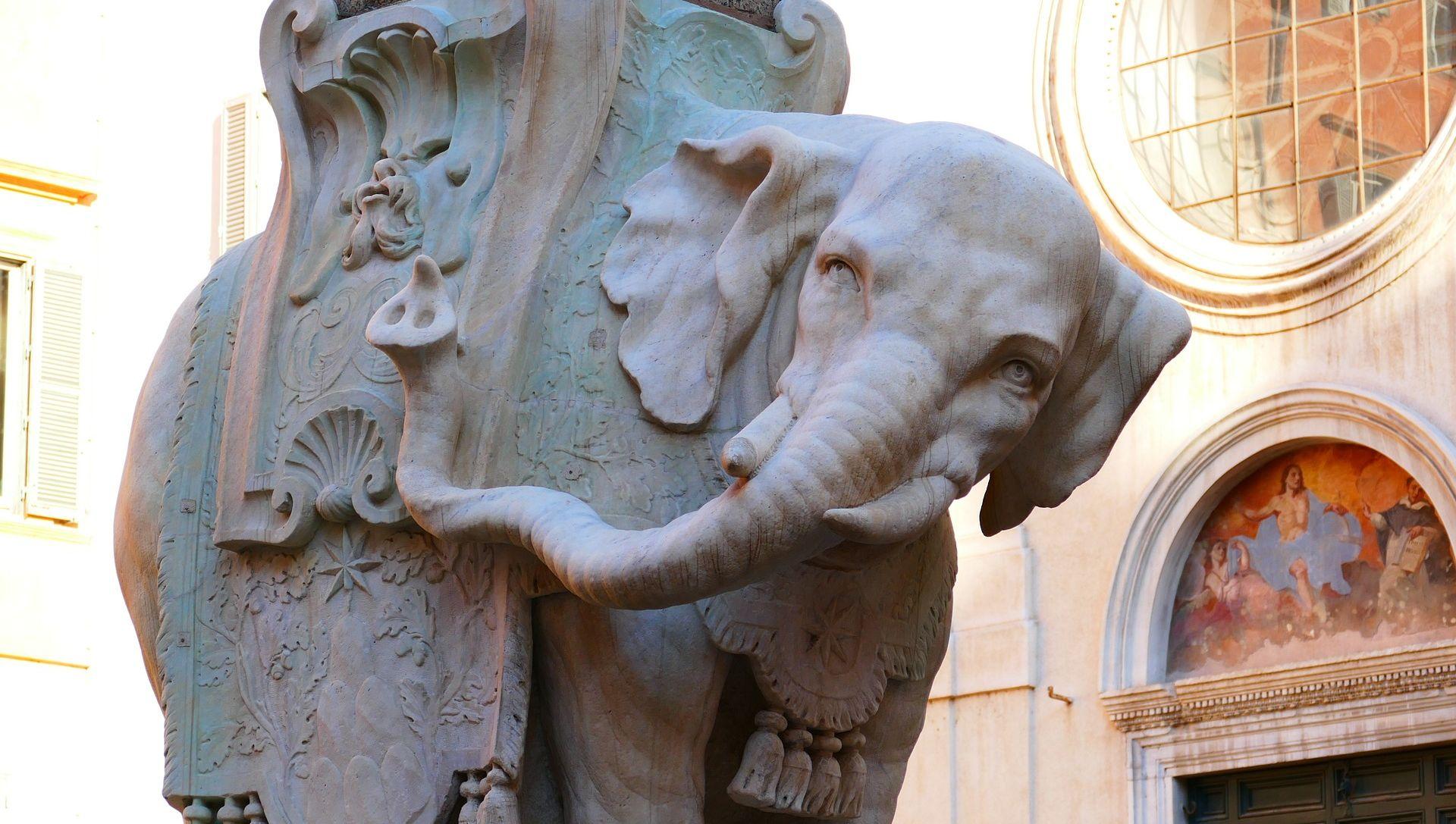 FOTO: Nepoznati vandali oštetili kultnu skuplturu Berninija u Rimu