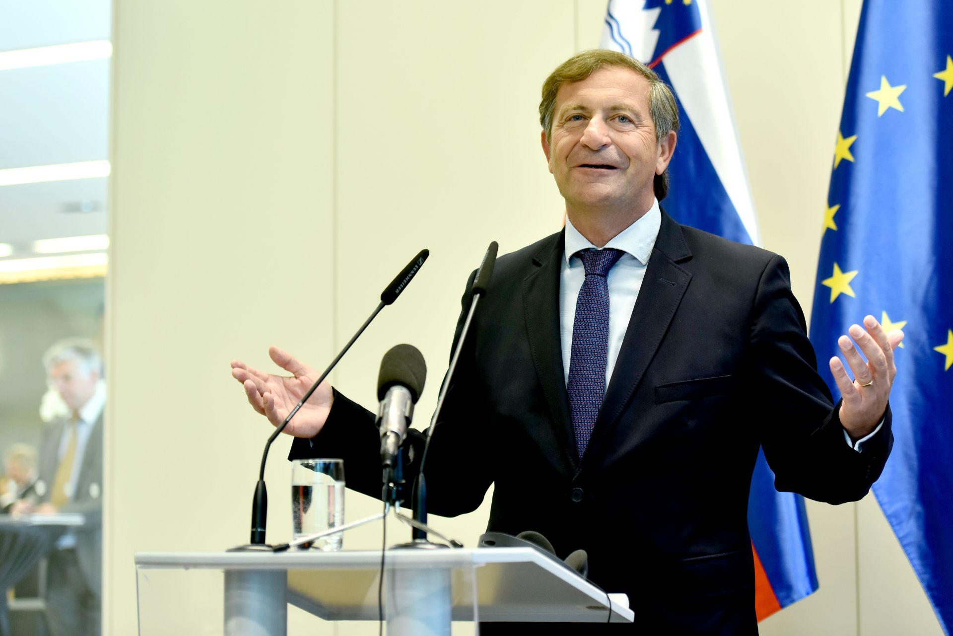 ERJAVEC 'Žao mi je što nova hrvatska vlada nije promijenila mišljenje o arbitraži, očekujem pritisak Bruxellesa'