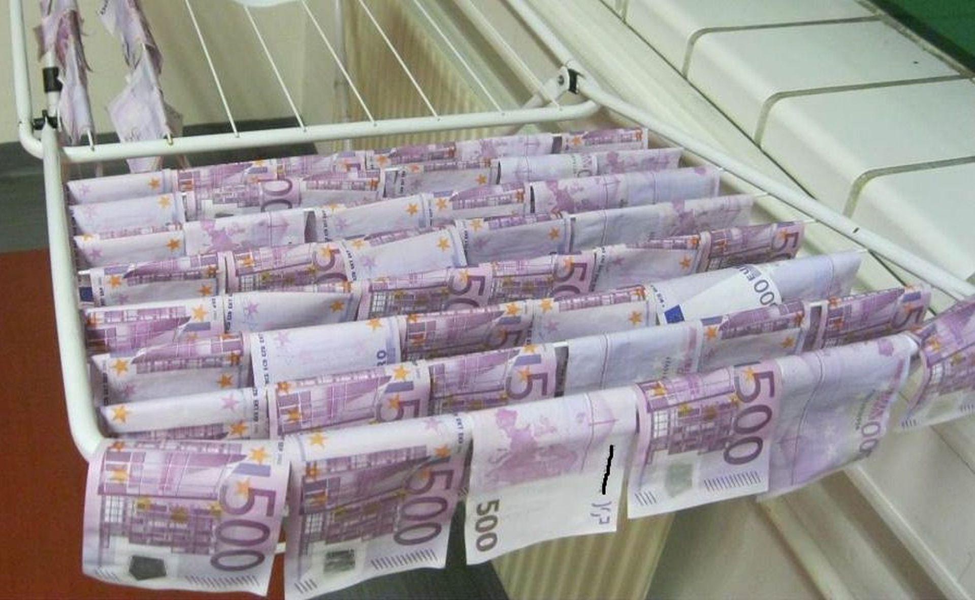 BUGARSKA POLICIJA: Pod vodom otkriveni milijuni krivotvorenih eura