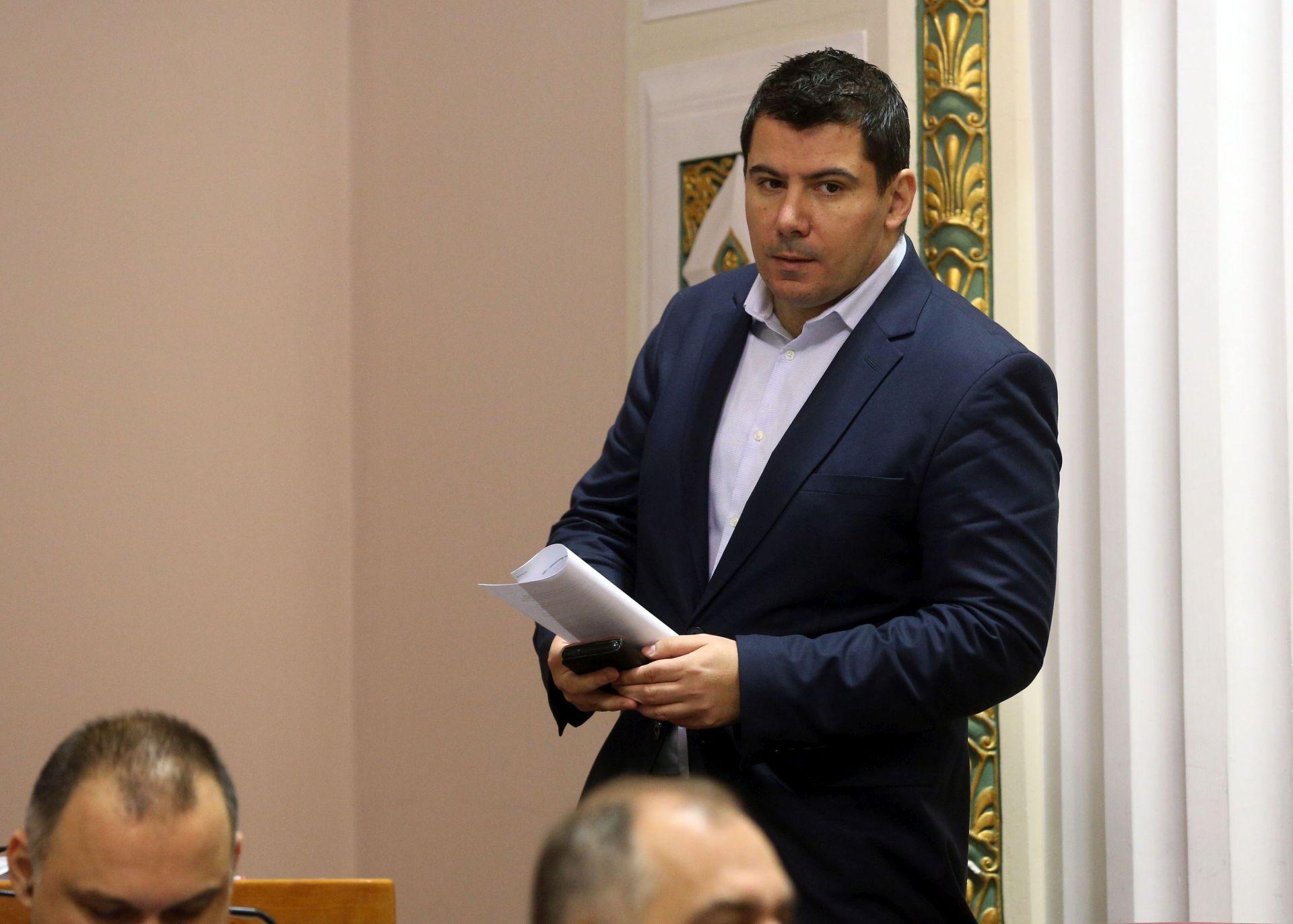 GRMOJA: 'Statut je mijenjan jer želimo postaviti Bukmira na poziciju u Hrvatske vode'