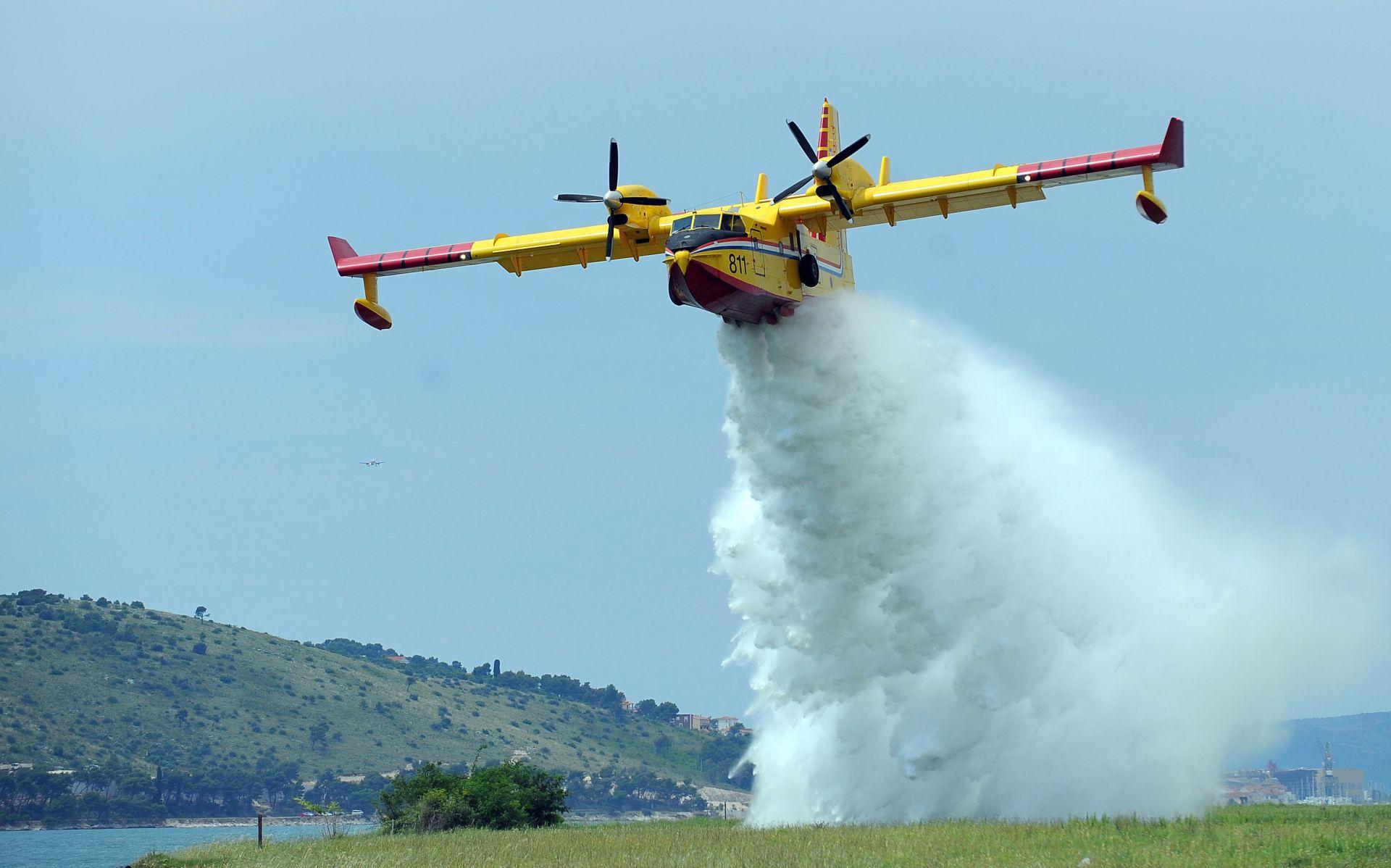 MORH Zračne snage u nedjelju gase tri požara