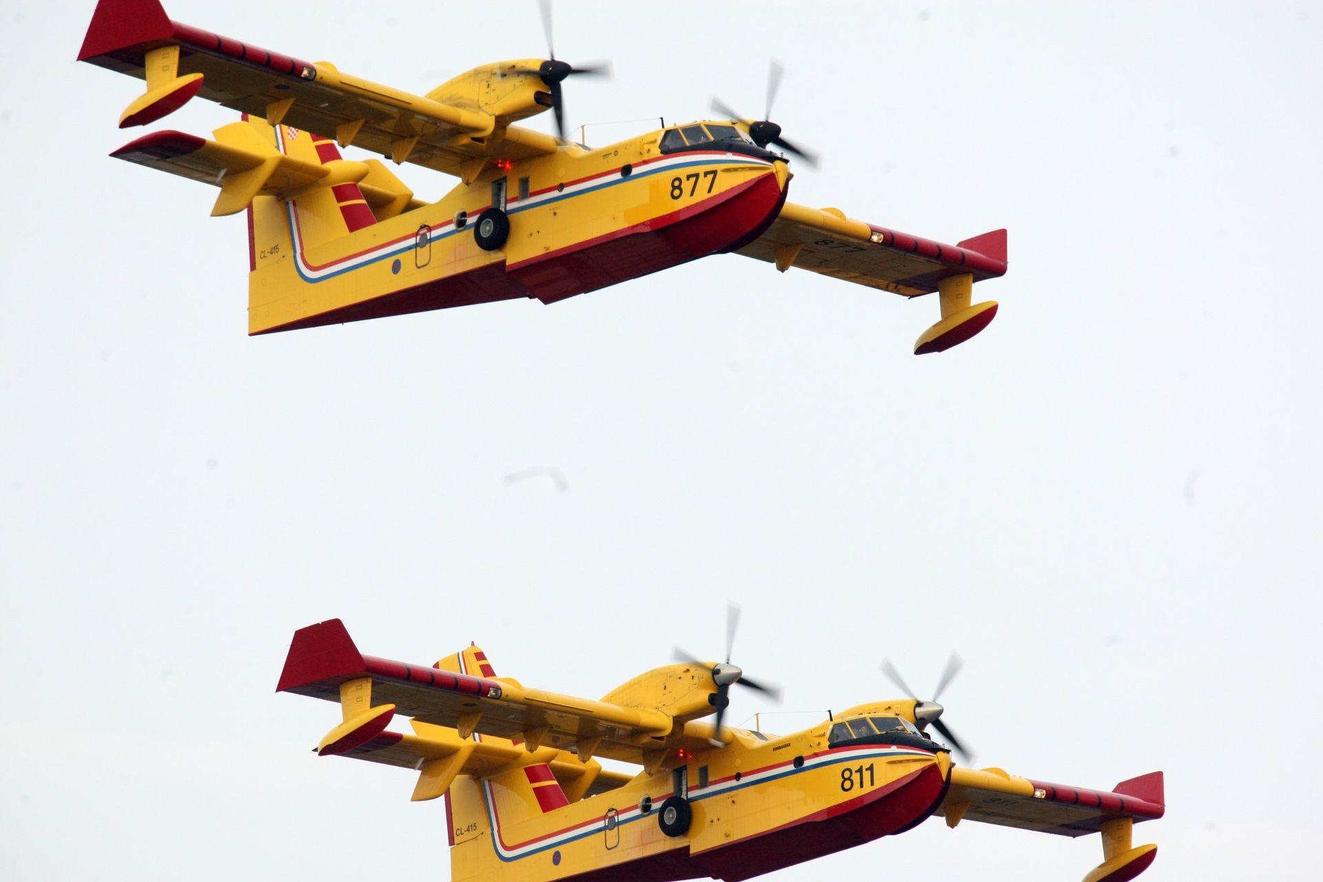 Dva kanadera sudjelovala u gašenju požara u Parku prirode Telaščica