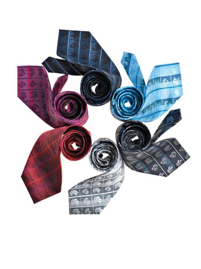 svilene tkanine plemenita sjaja i ukrašene maštovitim uzorcima
