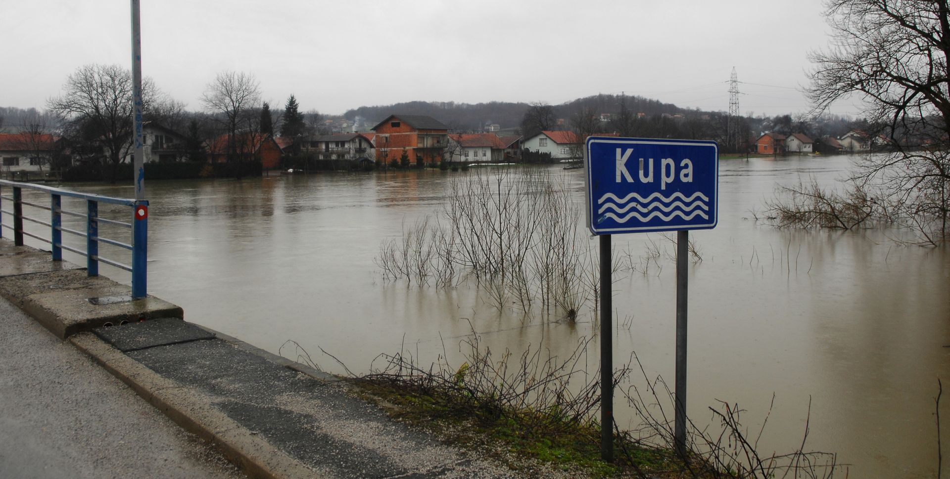 JAKE KIŠE DILJEM ZEMLJE: Povećan vodostaj rijeka, u tijeku mjere za obranu od poplava