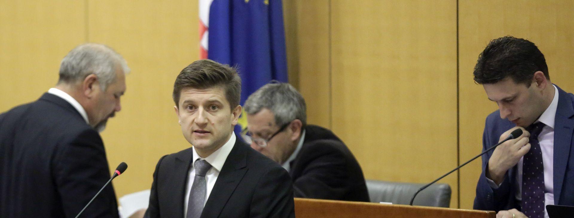 Marić u Saboru predstavio porezni paket