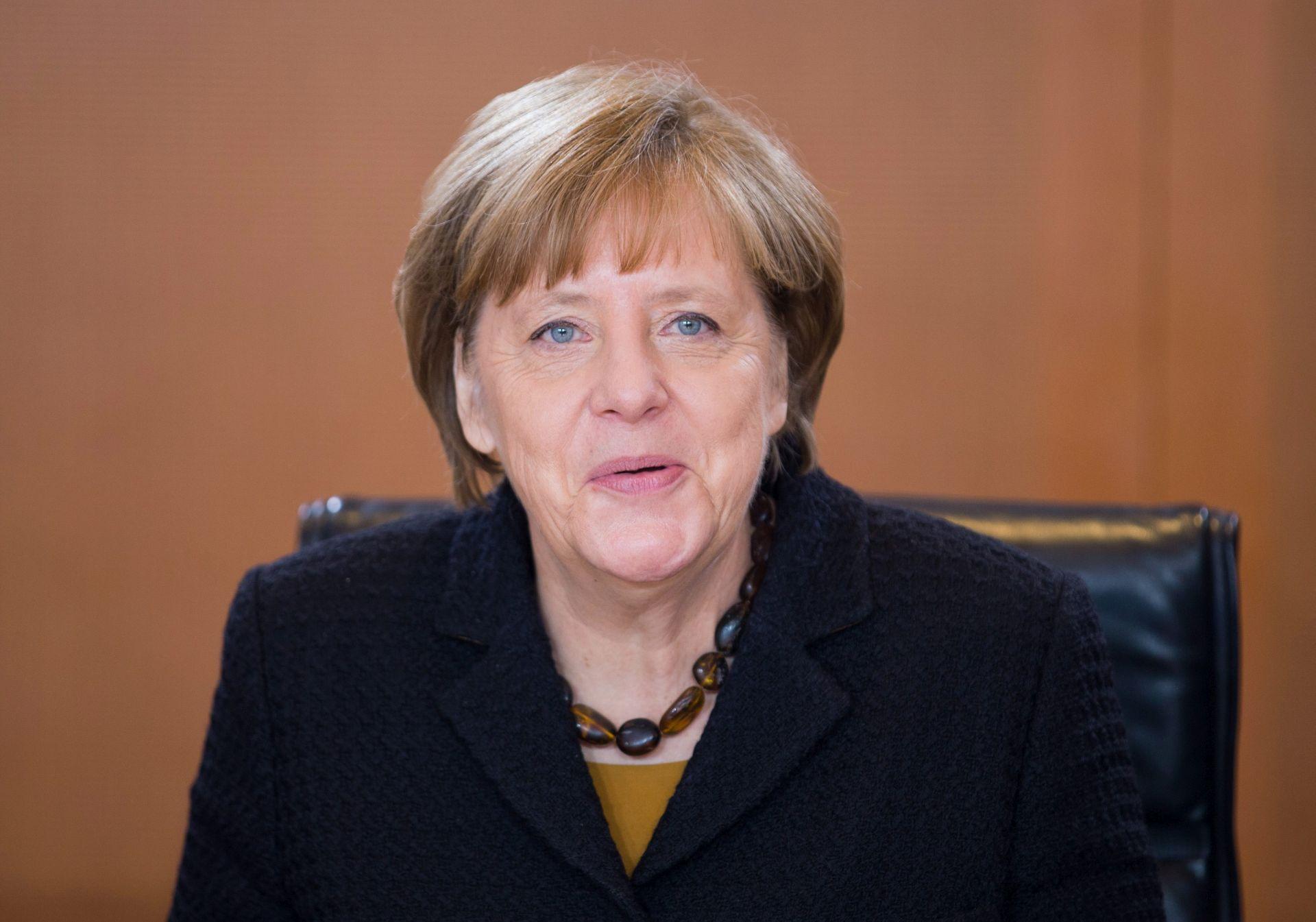 ANKETA Socijaldemokrati pretekli Merkeline demokršćane prvi puta u više od 10 godina